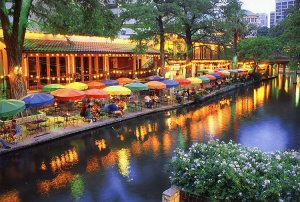 1381514025_san_antonio_riverwalk
